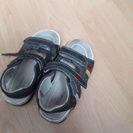 Sandalki skórzane 27