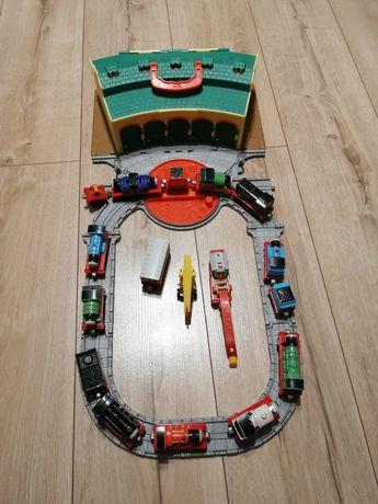 Tomek i przyjaciele zajezdnia plus lokomotywy