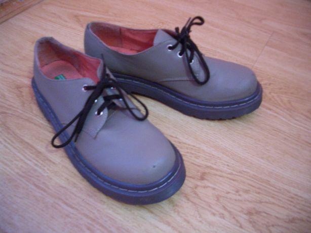 Туфли от united colors of benetton, размер 35.