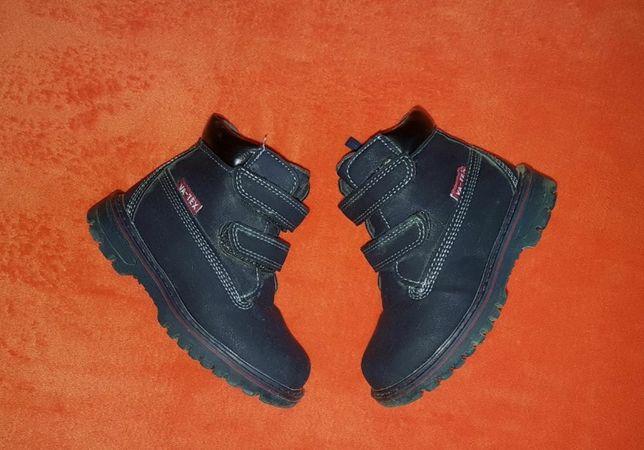 Ботинки сапожки черевички кросівки зимові 25 р 15 см