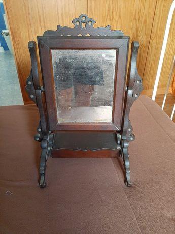 Espelho antigo com guarda joias