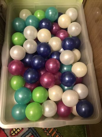 Сухий басейн батут надувний і 190 кольорових мячиків