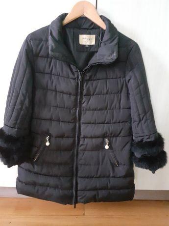 Куртка жіноча, чорного коляру