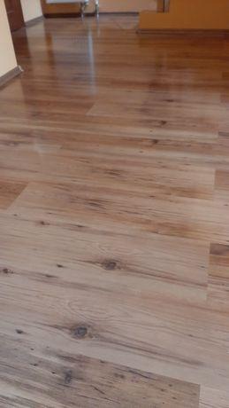 Panele podłogowe z lekkim połyskiem - 20 m2