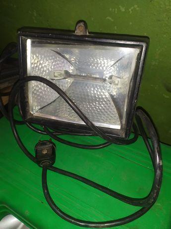 Продам прожектор/фонарь