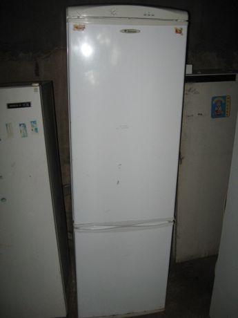 Продаю холодильник двухкамерный