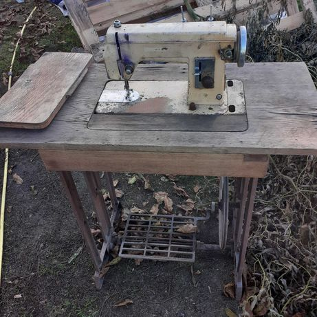 Maszyna do szycia na części