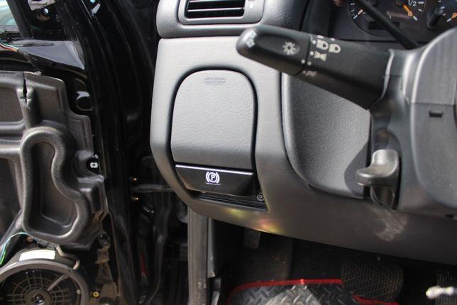 Uchwyt na kubek prawa lub lewa strona Mercedes W163 rok 2000
