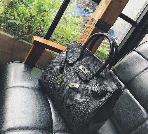 Женская кожаная сумка шопер под крокодила
