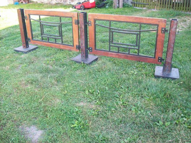 Płotek ogródek komplet słupek metalowo drewniany ogrodzenie płot