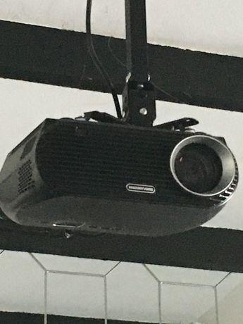 Projektor-rzutnik+ekran projekcyjny