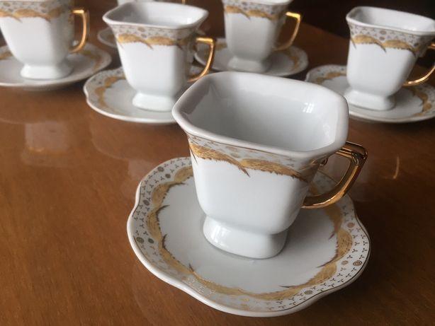 Чашки с блюдцами японские