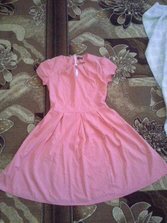 Продам платья почти новые по супер цене!!!