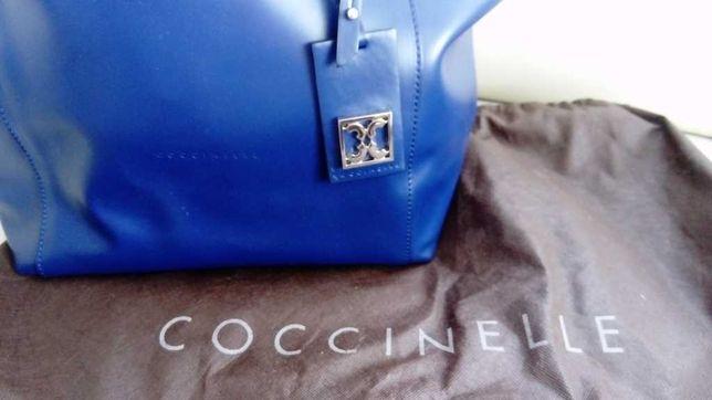 Coccinelle Milly piękna kobaltowa torba na prezent