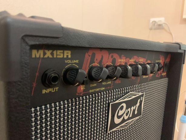 Гитарный комбоусилитель Cort MX15R