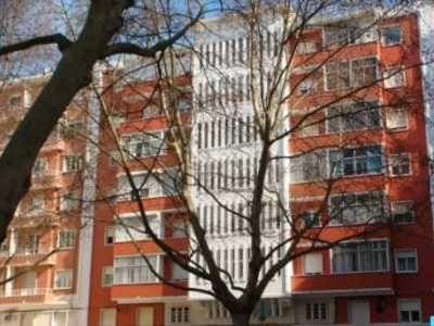Apartamento T2 c/ boas áreas e varanda