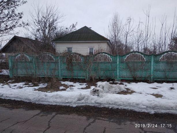 Продам дом и земельный участок в селе Петровка