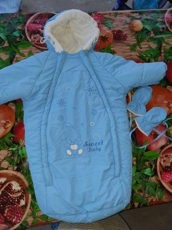 Зимний конвертик с ручками для новорожденого
