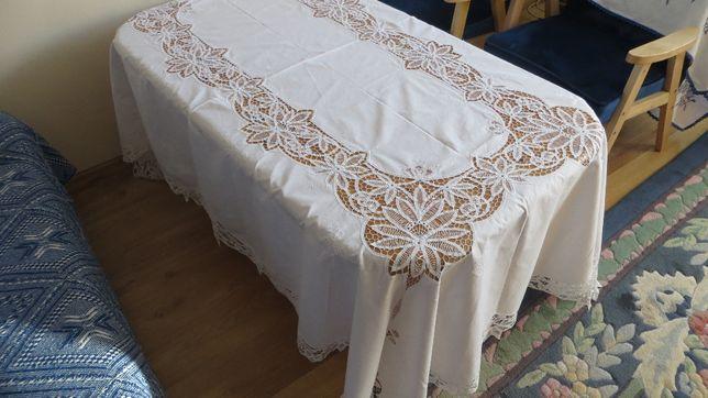 Obrus olbrzym, weselny 248 x 160, elegancki.