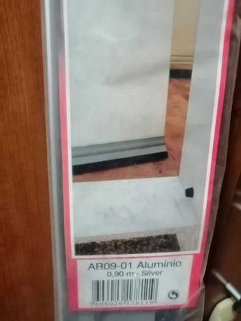 Veda portas em alumínio