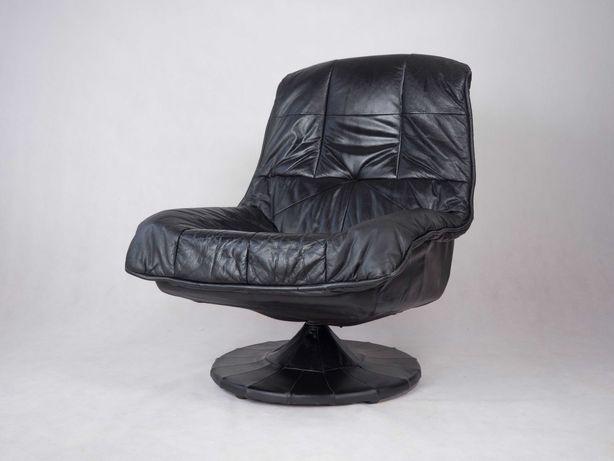 Czarny skórzany wygodny fotel vintage PRL design retro lata 80