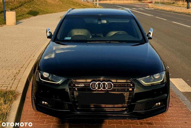 Audi A4 Audi A4 B8 2.0 TDI Avant 2011r CAHA 170km uszkodzony