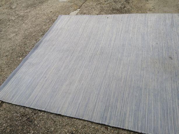 Carpete / manta / tapete