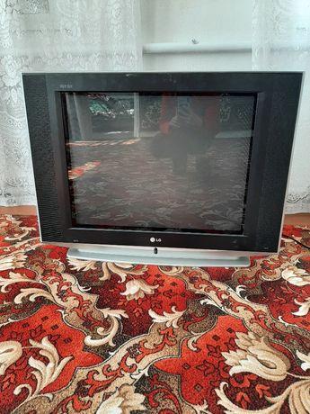 Продам неробочий телевізор на запчастини