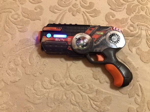 Продам детский космический пистолет на батарейках, бластер