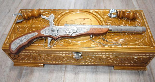 Сувенірний козацький пістолет. Подарок декоративный пистолет в.сундуке