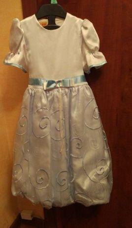 Нарядное красивое платье на 104 рост в хорошем состоянии!