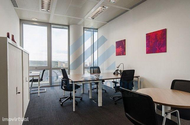 Espaço para escritórios localizado na Monsanto Tower