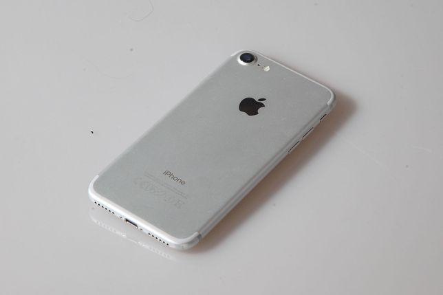 iPhone 7 wraz z etui