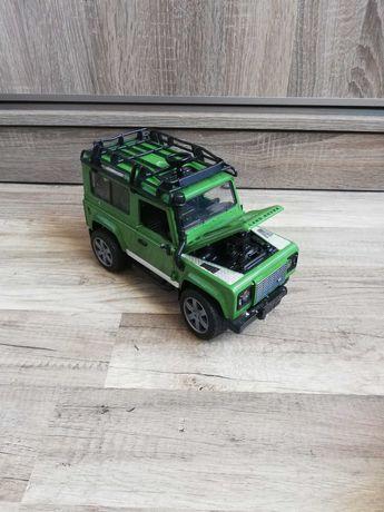 Bruder 02590 Land Rover Defender zielony