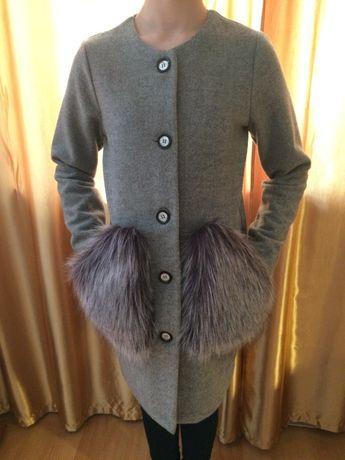 Пальто серое демисезон на девочку подростка