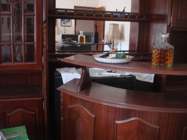 Vendo Móvel Bar Vintage a muito bom preço