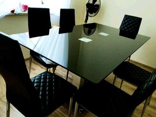 Szklany stół w stylu Glamour