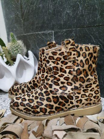 Bota criança tam 32 pele ponei leopardo