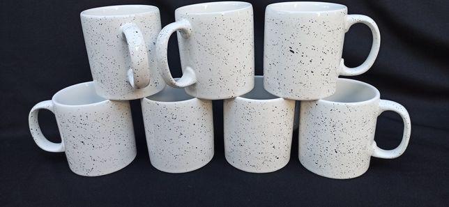 Чашка с текстурными капельками 350 мл.