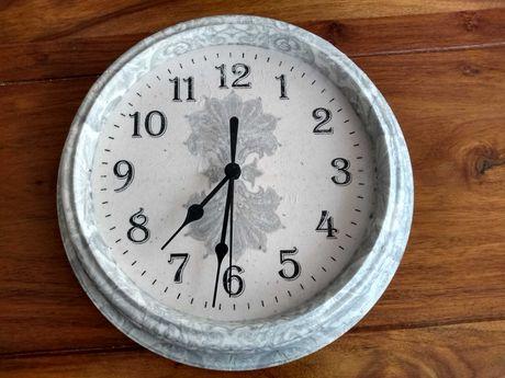 Zegar ścienny ręcznie zdobiony