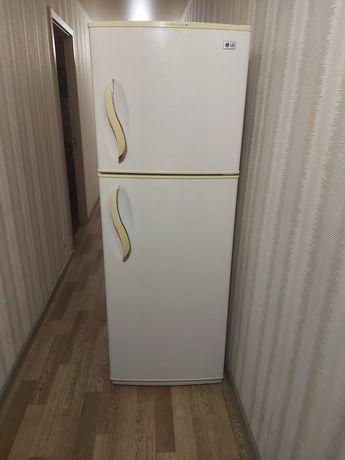 Холодильник LG GR-S392QVC в отличном состоянии