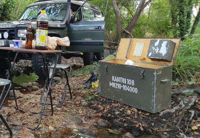 Caixa arca baú Militar metálica forrada a madeira