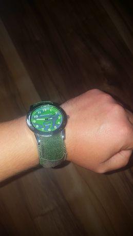 Продам часы armed force