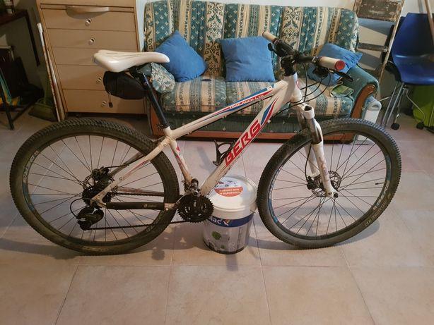Bicicleta btt roda 29 berg trail rock ltd