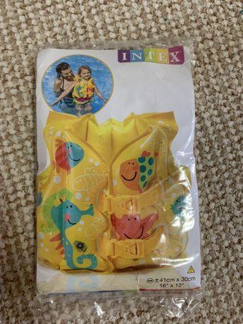 Жилет надувной детский 3-5 лет новый  intex