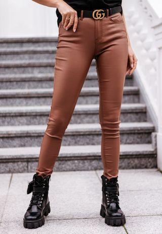 Spodnie woskowane skórka brązowe L