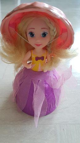 Laleczka babeczka lalka w pucharku lodowym