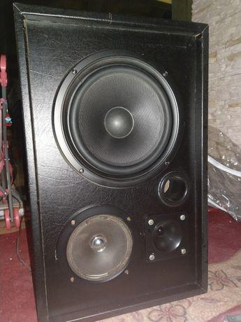 Kolumny głośnikowe solidnie wykonane TONSIL 8Ohm