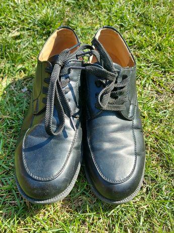 Buty dla chłopca rozmiar 38 komunia