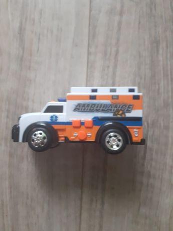 Ambulans  wydaje dźwięki